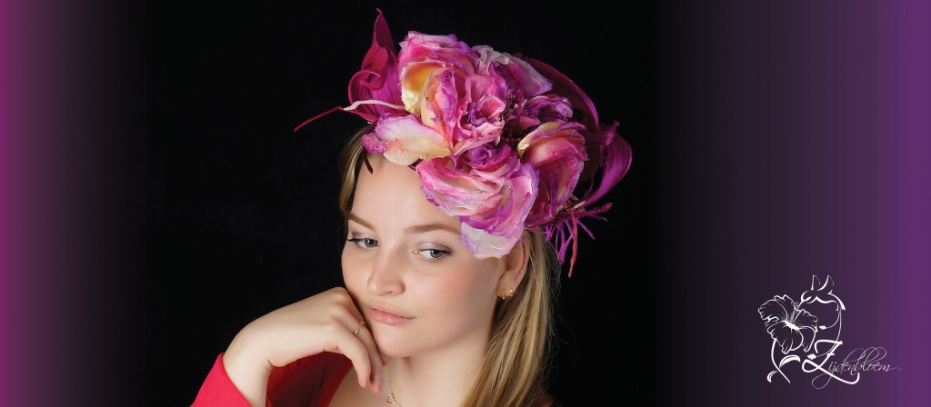 donker roze hoed 1
